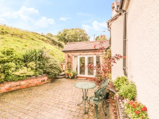 WHITE LODGE, WIFI, open plan living, exposed beams, Ref 927393