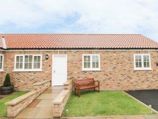 2 BEDROOM, ground floor accommodation, open plan, pet friendly, Stillington, Ref