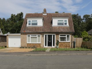 COPPER BEECHES, three bedrooms, open plan, garden with patio, in Dersingham, Ref