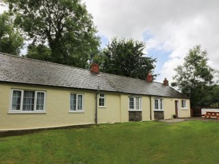 FELINWHIL, Welsh long house, front patio, woodburner, WiFi, close to coast, near