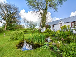 PANDY COTTAGE, all ground floor, lawned garden, walks from the door, near Lampet