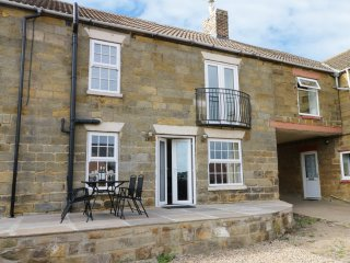 RAW PASTURES, barn conversion, spacious accommodation, outside of Whitby, ref 91