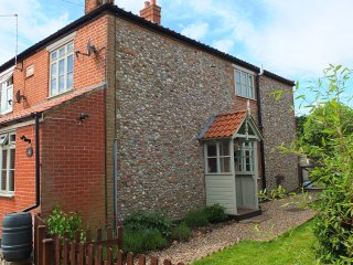 BEACONSFIELD COTTAGE 19th century cottage, village location, enclosed garden, in
