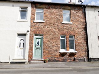 29 CHURCH STREET, three bedrooms, spacious accommodation, seaside location, in M