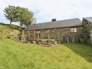TY HIR, wood burner, rural location, in Llanfrothen, Ref. 27288