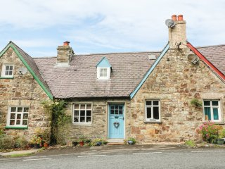 GERLAN, pet friendly, character holiday cottage in Newcastle Emlyn , Ref 15241