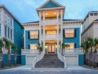 29 Singleton Beach Place: Oceanfront w/ Pool