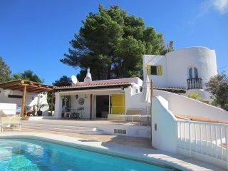 Bella Villa con piscina y vistas al valle, a solo 300m del pueblo de Sant Josep