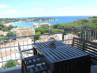 Caleta del Sol right at the Costa Brava with seaview, very close to the beach.