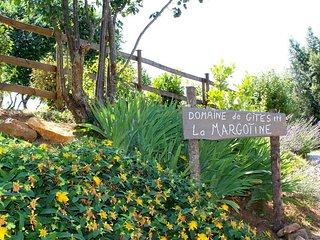 Gite Le Pigeonnier 4 pers. Piscine. Domaine de la Margotine en Quercy Perigord.