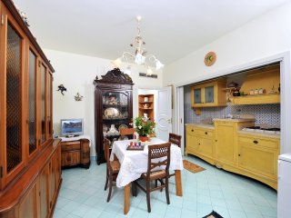 Apartment Ground in Sorrento coast, with FREE  pool, parking, garden, WiFi, AC