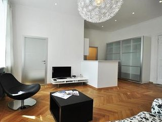 Modern and luxurious central 1 bedroom - 2615