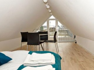 2 bedroom apartment with loft and roof terrace - 2374