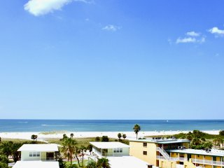 SUNSET VIEWS, 2BR+2BR+2BR SUITES, BALCONY, POOL, PARKING, STEPS TO THE BEACH