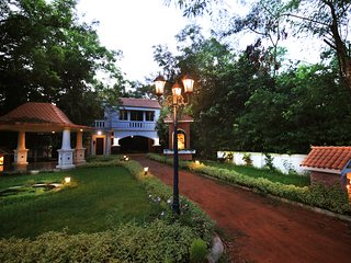 Room : 4: Choupahari, a boutique Resort near Shantiniketan. Home away from home.