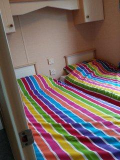 Twin bedroom - 1