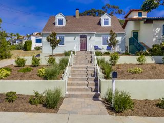 Village Life - Beautiful remodeled 3 bedroom home near the Village of La Jolla.
