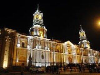 The Plaza de Armas is 1.5km away