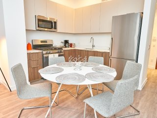 FiDi downtown 3 bed/ 2bath