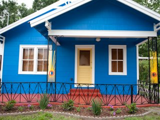 Blue Moon Bungalow in Downtown Lafayette