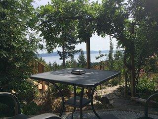 Ocean View Getaway - Garden Suite