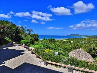 Ocean View Villa in Walking Distance to Tamarindo