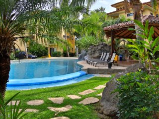 The Oaks Tamarindo, Modern Secure Gated Community near 11 Beaches, pet friendly
