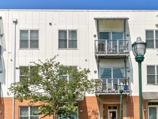 NEW! Remodeled 2BR City Center Chattanooga Condo!