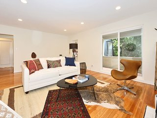 Designer done PRIME Beverly Hills home + parking