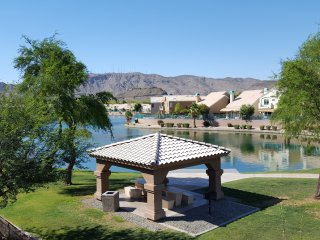 Beautiful Lake And Mountain View,Golf, Casino,private gated community,OutletMall