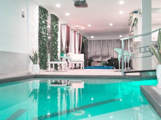 The MYNT in Parque Lleras (10 Bedrooms)