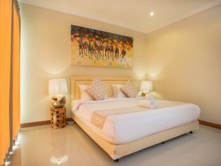 SEMINYAK JUN VILLA - 2 Bedrooms