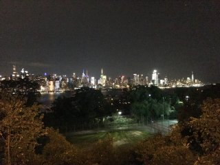 Highland place, the best view of NYC,15 minutes on bus to Time Square, sleeps 8
