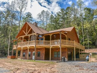 HEAVENLY VALLEY - 4BR/3BA LUXURY CABIN, HOT TUB, POOL TABLE