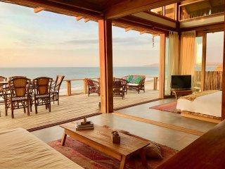 Wak'a Villa - Luxurious Villa with Panoramic Ocean Views