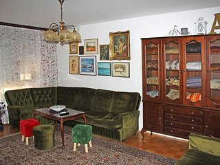Vintage Apartment, 80 sq.m, Free Parking