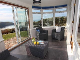 GWILLEN welcoming family home, tiered garden, overlooking the beach at Mawgan Po