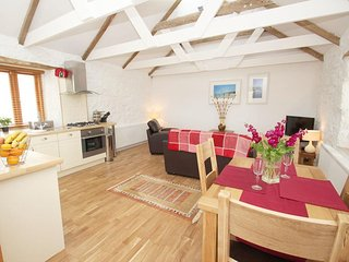 THE COURTYARD reverse-level barn conversion, rural location, near Porthleven, Re