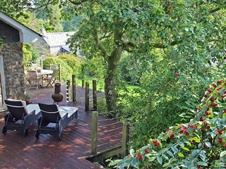 MILLTOWN COTTAGE detached, large garden, open fires, conservatory, off road