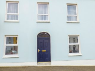 LUCIDA HOUSE, mid-terrace, over four floors, multi-fuel stoves, shop and pub 2 m