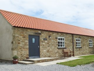 BROOKSIDE BYRE, all ground floor, all bedrooms with en-suite, WiFi, enclosed gar