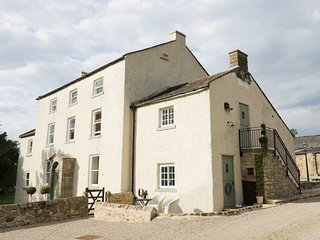 THE STABLE, WiFi, en-suite, garden, quality accommodation in Gilling West Ref