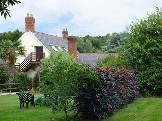 FIG TREES - WIBBLE FARM, first floor apartment, character features, ideal for ga