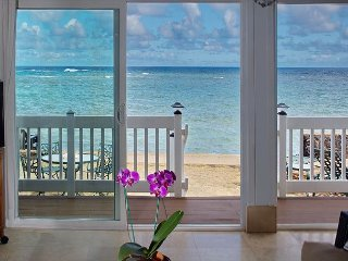 OCEANFRONT Beach House on the water! TVNC #5068