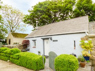 THE OLD STABLE, pet friendly, country holiday cottage, with open fire in Wolfsca