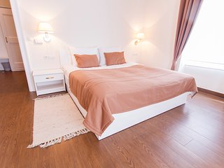 Villa Istenic - Luxurious Room with King Size Bed