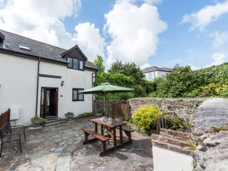 DAIRY COTTAGE upside down accommodation, shared use of swimming pool and games r