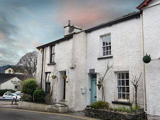 Lovely Characterful Centrally Located Cottage