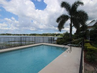 Lakefront home w/ balcony and shared pool, in great neighborhood