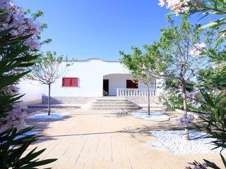 Villa indipendente con 3 camere da letto affitti a marina di Salve